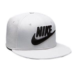 Nike Accessories - Nike men s futura true 2 SnapBack hat f2be8584b3e